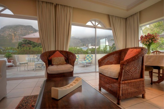 Lounge, Hermanus Beach Front Lodge